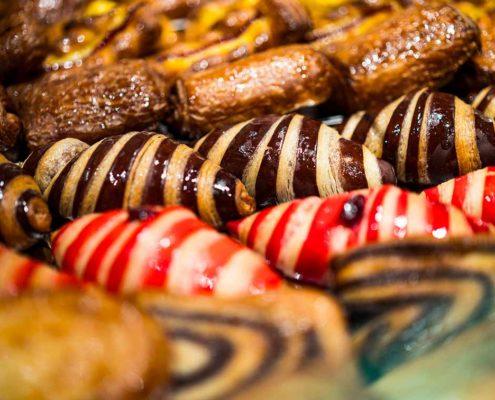 Cornetti dolci al cioccolato e crema